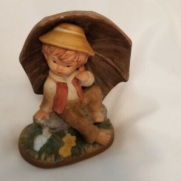 VTG Hummel Style figurine Boy with Umbrella Vintage from before 2000